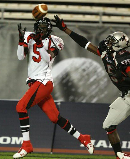 Jamal Reid catches a touchdown pass in the Under-Armour All-American game