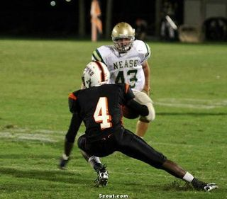 Andre Debose bout to get smacked by Nease