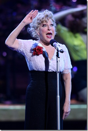 Bette Midler marks her 100th show in Las Vegas