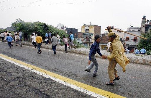 India_School_Stampede_DEL12