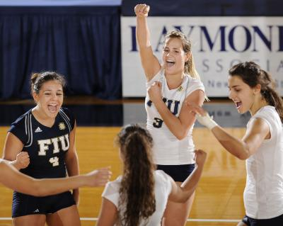 f1646d7b Ladies First   FIU Panthers Prowl
