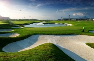 Hong-Kong-Airport-golf