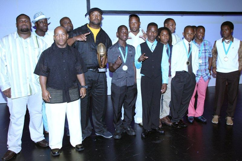 Youth_Team_Posing_at_Miami_Dolphins_Crowning_of_the_Champions