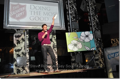 2013-10-18 David Bromstad Salvation Army fundraiser 019