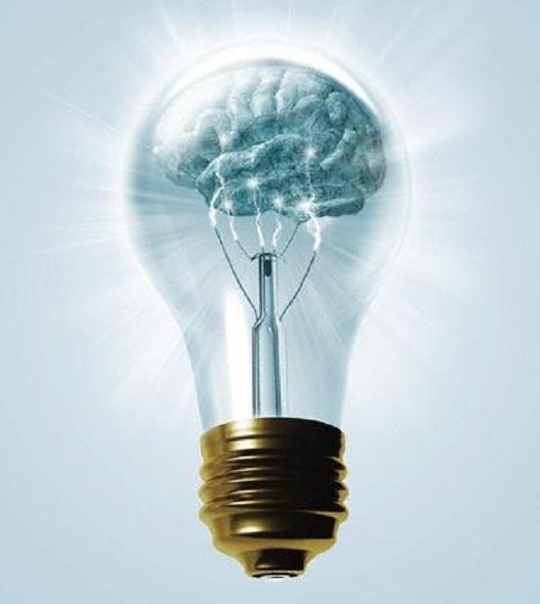 Corbis-BrainInsideLightBulb-cMikeAgl