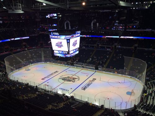 All Star Tweeting Roberto Luongo Makes Most Of Vantage Point On