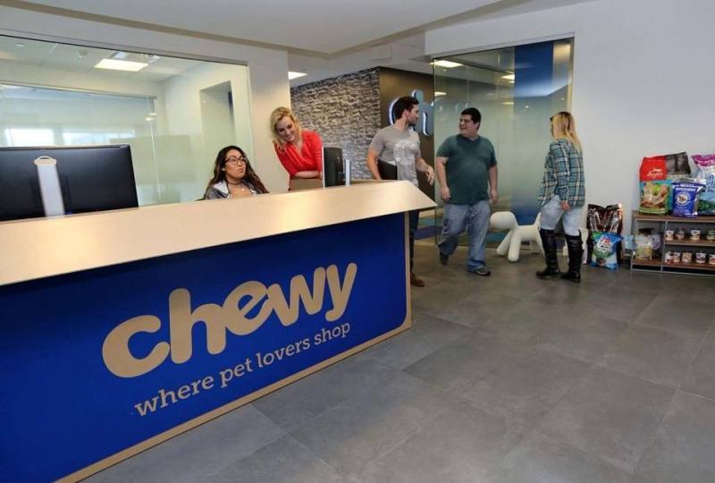 Chewy2%20reception%20biz%20cmg