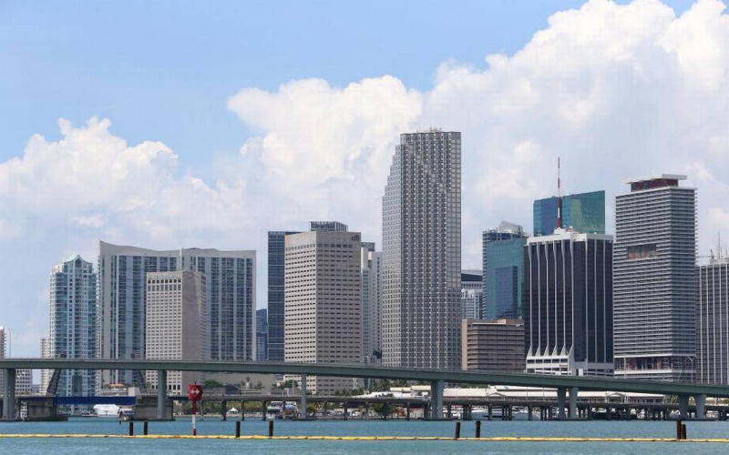 008 Downtown Miami Skyline