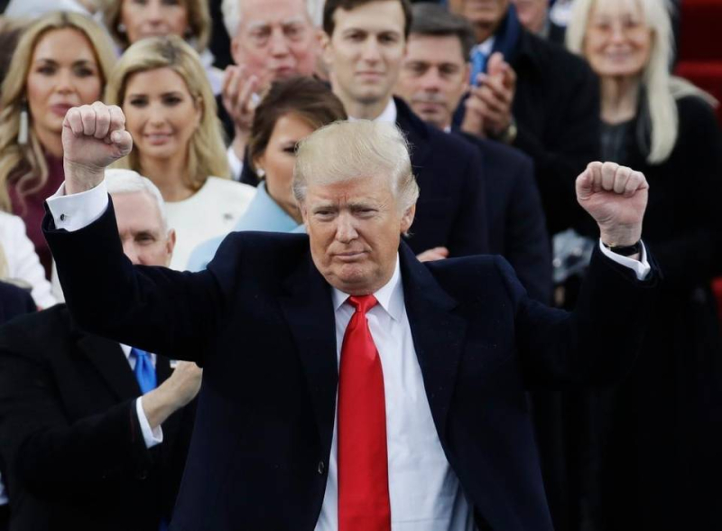 TrumpfistsupAPSemansky