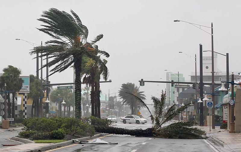 NP-HurricaneMatthewAid-101016-Dan08 MathewNFL NEW PPP
