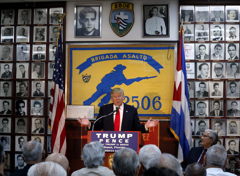 0177 TRUMP BAY OF PIGS 102616 (2)