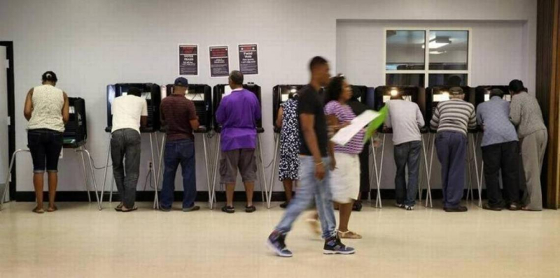 IMG_voting_booths_4_1_RUA90PLK_L283396393