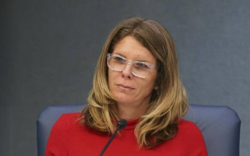 Updated: Miami Beach commissioner says shell resign to