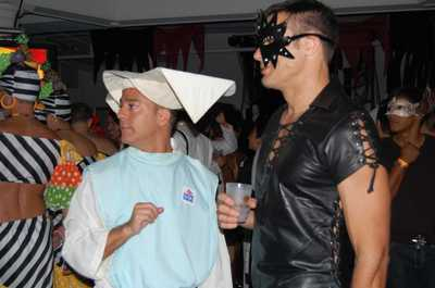 Save_halloween_fundraiser_012