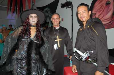 Save_halloween_fundraiser_018
