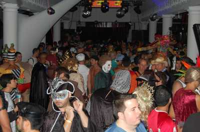 Save_halloween_fundraiser_036