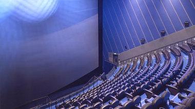 Imax_auditorium_01_2